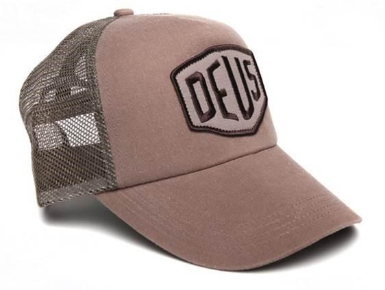 """DEUS EX MACHINA Hat - """"Foxtrott Shield Trucker"""" - tan"""
